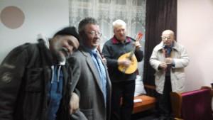 Valentin Leahu si Florin Predescu la o seara de poezie si muzica la Cercul Militar din Sibiu, 2014