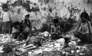 Fotografie document: deportaţ armeni în pragul morţii