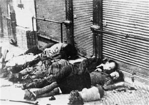 Fotografie document: evrei ucişi în timpul pogromului de la Iaşi, iunie 1941