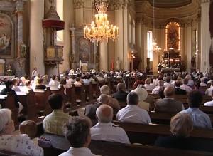 Sf. Grigore Iluminatorul - biserica plină de lume