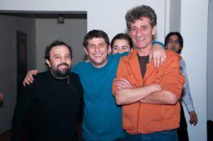 O fotografie de epocă Gyuri Pascu cu Ioan Oliu , in centru.